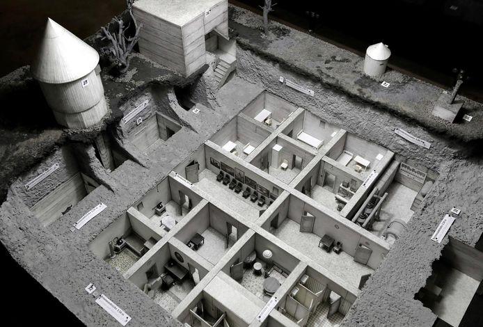Een schaalmodel van de bunker waar Hitler zelfmoord gepleegd zou hebben.