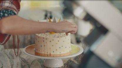 Bake My Day: Sofie Dumont bedankt de K3'tjes met een spectaculaire regenboogtaart