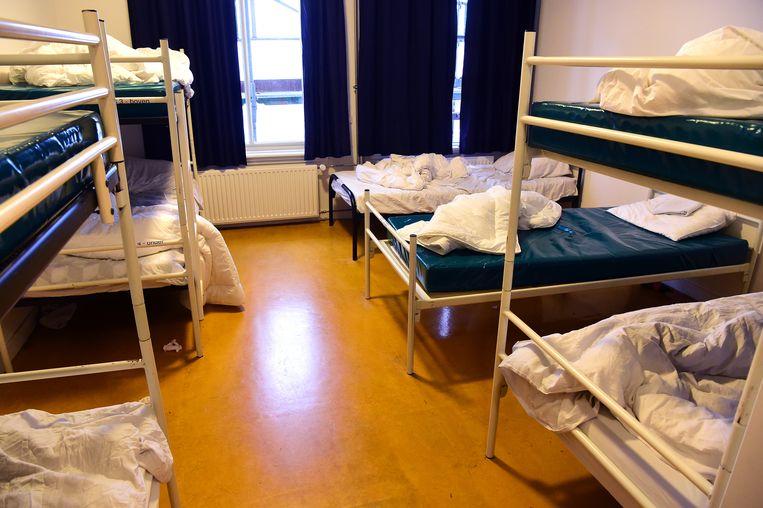 De slaapzaal van de Utrechtse nachtopvang.  Beeld Marcel van den Bergh / de Volkskrant