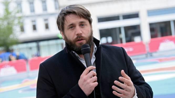 """Stad Brussel laat plexischermen toe bij heropening terrassen: """"Het staat in het protocol, dus het mag"""""""