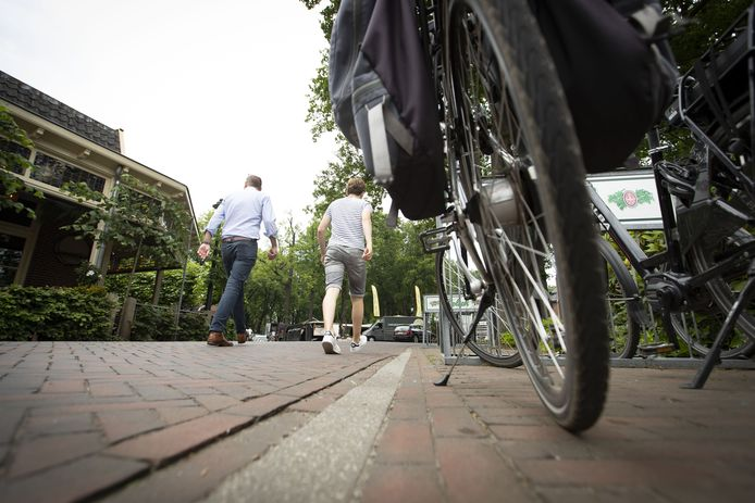 Wandelaars en fietsers krijgen meer ruimte in Lonneker.