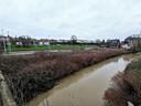 De blokken zouden gebouwd worden op deze strook grond tussen de Zenne en het Kanaal Brussel-Charleroi.
