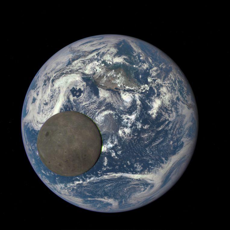 Onze innige band met de maan, onze enige natuurlijke satelliet, vuurt rijke ondernemers aan om, 45 jaar na de laatste bemande vluchten naar de maan, eens terug te keren.  Beeld