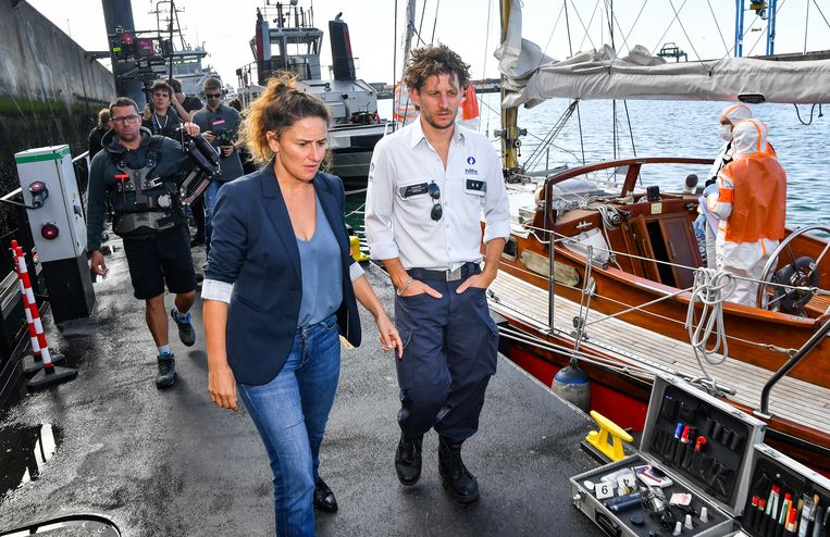 Met Titus De Voogdt op de set van 'Beau Sejour 2' in Zeebrugge. Beeld Joel Hoylaerts / Photo News