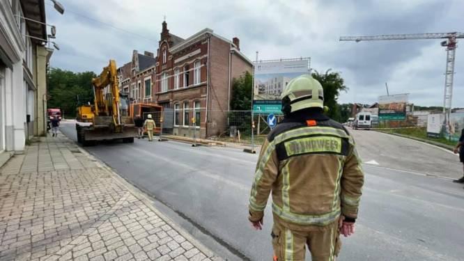 Vrachtwagen rijdt tegen huis: Schaffensestraat afgesloten wegens instortingsgevaar