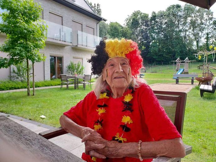 Ook de oudste bewoner van De Vlamme (102) supportert nog mee.