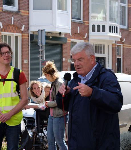 Vrolijk fietsend protesteert de Weimarstraat tegen de ellende in de buurt