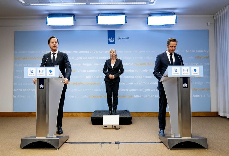 Demissionair premier Mark Rutte en demissionair minister Hugo de Jonge. Beeld ANP