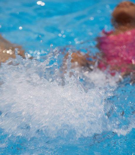 Zwemschool Akwaak in Zwolle, Zutphen en Wapenveld failliet, honderden kinderen en ouders in onzekerheid