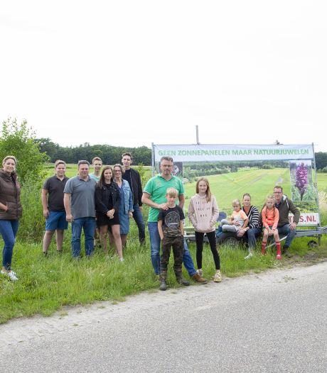 Buurtbewoners van Enterveenweg: 'Zonnepark? Niet in ons groene hart!'