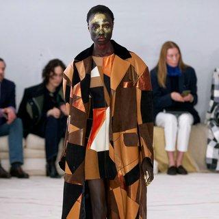 De Milanese mode voor de volgende winter  verrast niet, maar is wel verrassend fraai