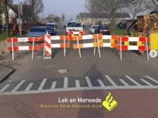Wijkagenten furieus door gebarricadeerde straat en vandalisme in Molenlanden