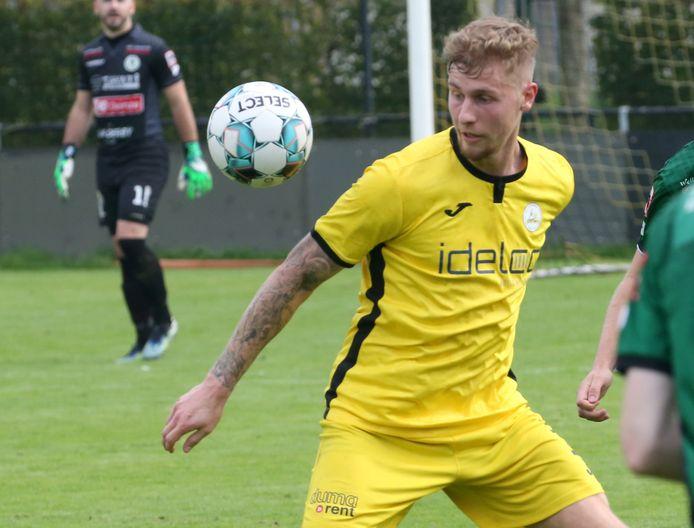 Dirk-Jan Dewaegemaeker in actie in de thuismatch tegen Sparta Petegem.