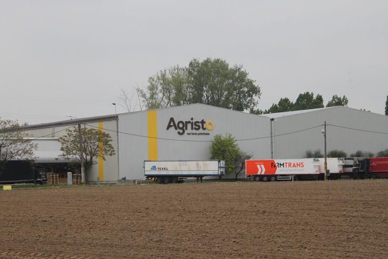 Het aardappelsverwerkingsbedrijf Agristo heeft meerder vestigingen. Het is de vestiging in Hulste (hier te zien in beeld) waartegen geprocedeerd wordt.