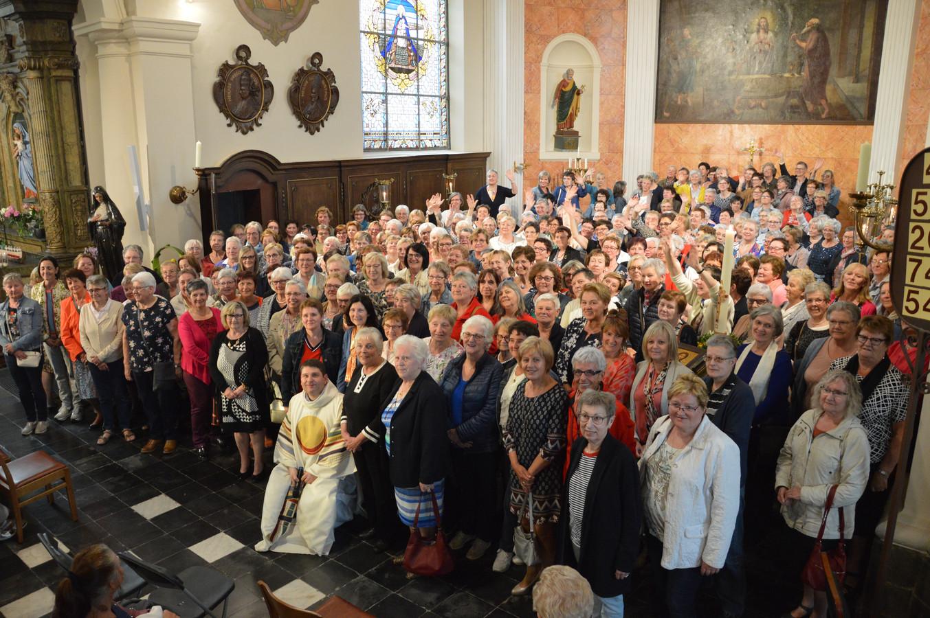 233 Rita's in de kerk in Outer.