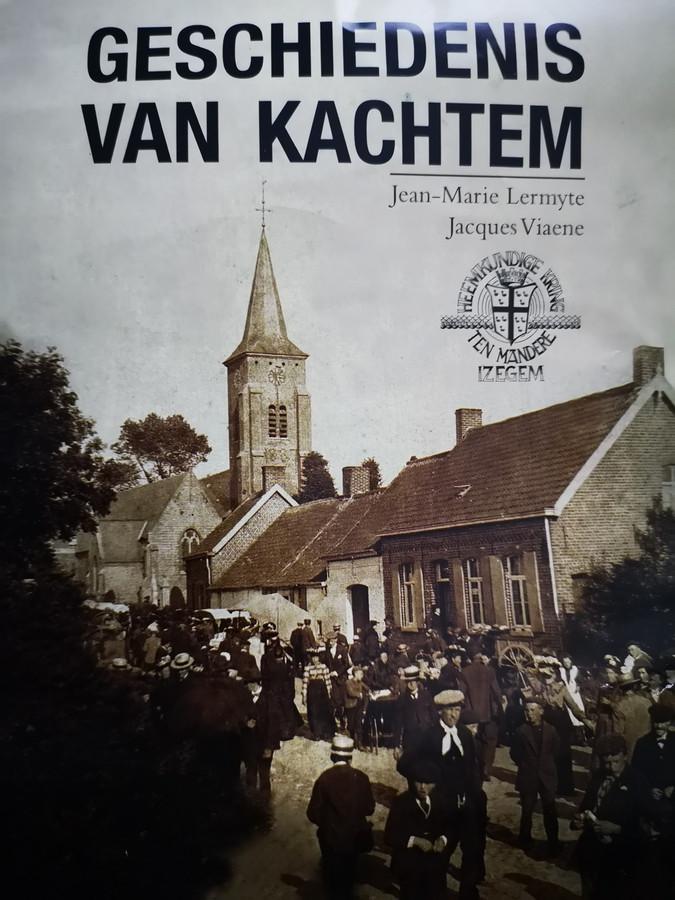 De cover van het boek 'Geschiedenis van Kachtem'.