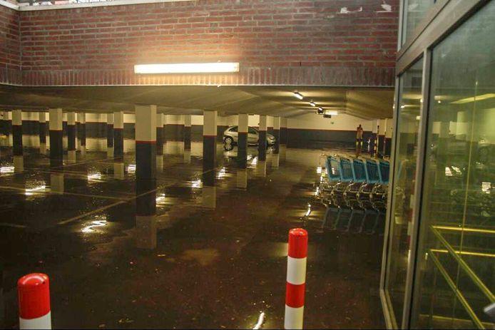 Volgelopen parkeergarage in Oirschot