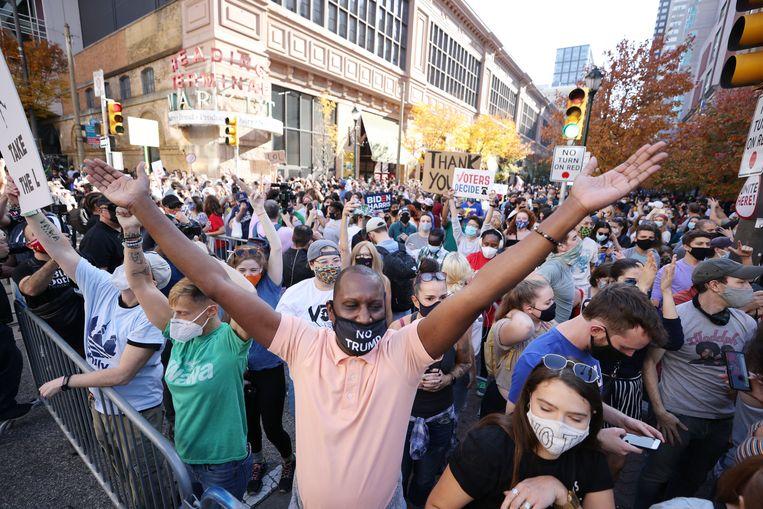 In Philadelphia vieren Biden-aanhangers de overwinning. Beeld EPA