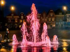 Roze fontein fleurt Statenplein op tijdens sobere Coming Out Day