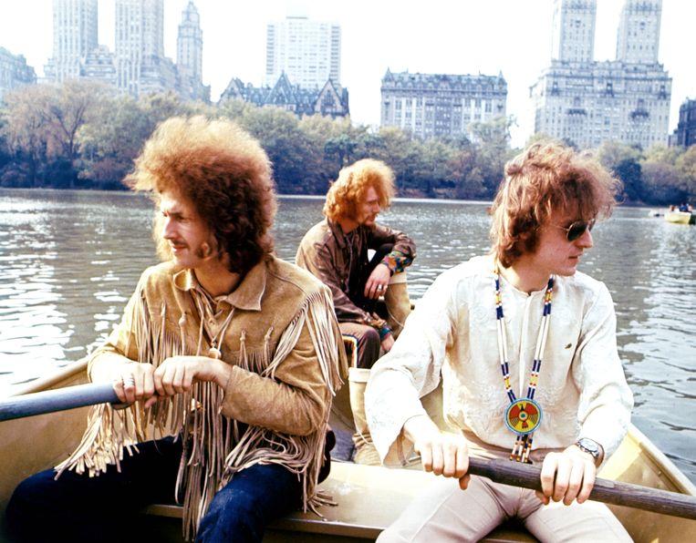 Eric Clapton, Ginger Baker en Jack Bruce van Cream, samen in Central Park, 1968. Beeld Getty Images