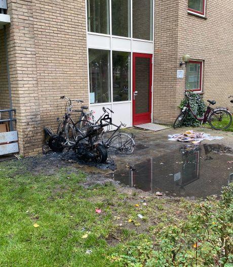 Verdachte van brandstichting en bedreiging in Deventer: 'Ik hoor niet thuis in de gevangenis'