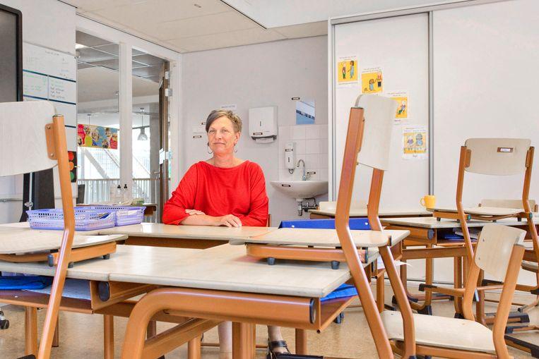 Lineke de Jong, directeur van de Koningin Beatrixschool in Den Haag. Beeld Otto Snoek