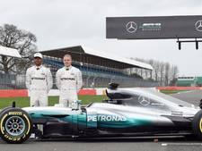 VIDEO: Presentatie Mercedes, Hamilton maakt eerste meters in nieuwe bolide