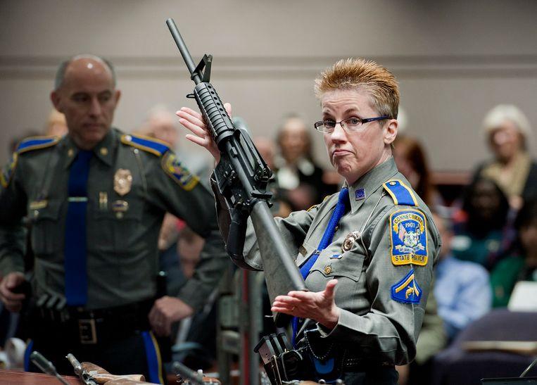 De AR-15 Bushmaster van wapenfabrikant Remington, het bewuste semi-automatische aanvalsgeweer waarmee schutter Adam Lanza toesloeg bij het bloedbad op de Sandy Hook Elementary School in 2012.