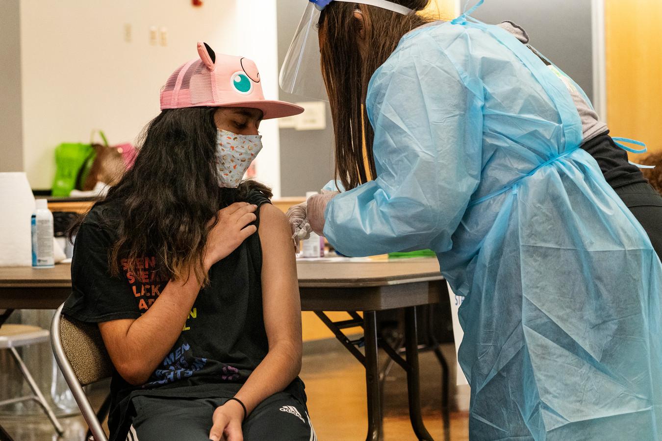 In de Verenigde Staten worden middelbare scholieren ook al ingeënt.