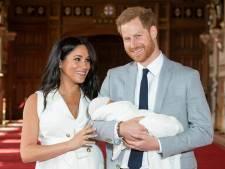 Waarom naam Meghan Markle niet meer op geboortecertificaat Archie staat: 'Moest van Buckingham Palace'