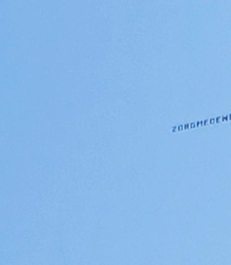 Vliegtuigje boven Amphia als 'dank voor de goede zorgen'