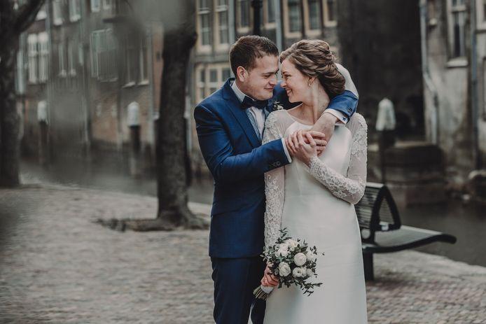 Mark en Elise Hoogesteger-Van Hoepen zijn ondanks de coronacrisis toch getrouwd op 2-4-2020.