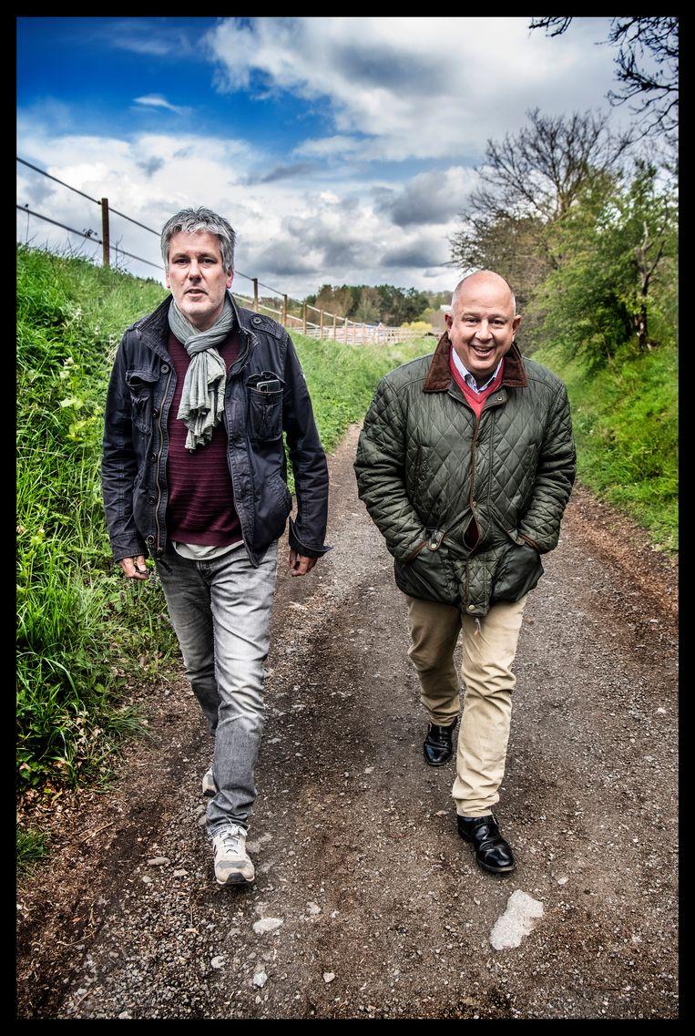 Nicolas Ullens (rechts): 'Ik heb een vijftiental filmpjes op het internet gezet: als ik in onduidelijke omstandigheden overlijd, zou dat erg bezwarend zijn voor Didier Reynders.' Beeld Saskia Vanderstichele
