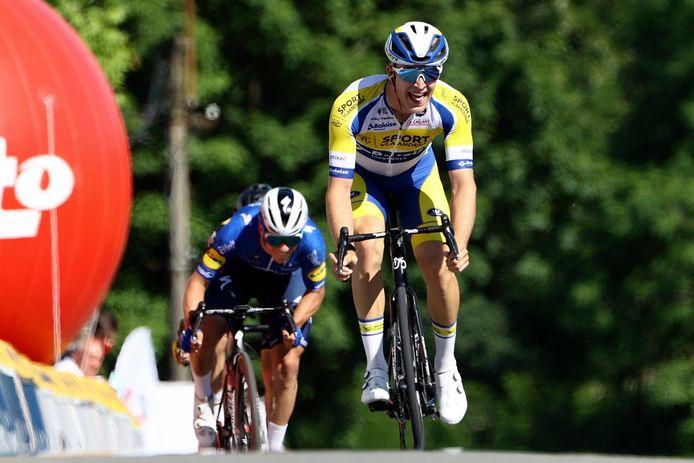 Robbe Ghys klopt Remco Evenepoel: vier jaar geleden won hij in Maarkedal ook al een etappe van de Ronde van Oost-Vlaanderen voor beloften.