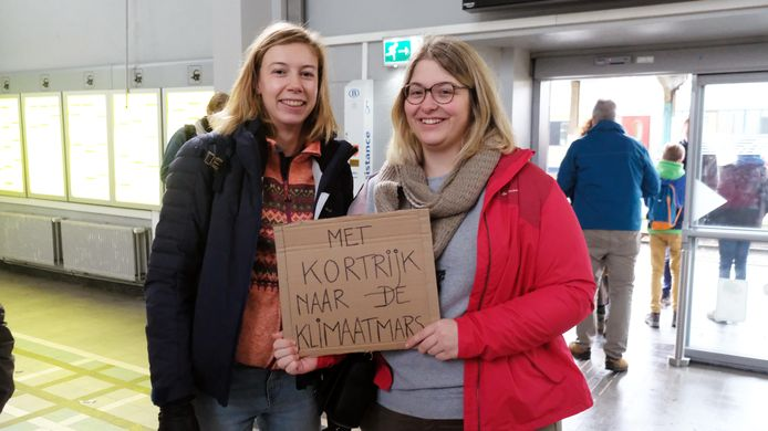 Initiatiefnemers Sien Vandevelde (23) en Liselotte Vandevelde (33).