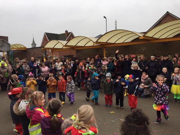 In Vroenhof is het zaterdag schoolfeest.