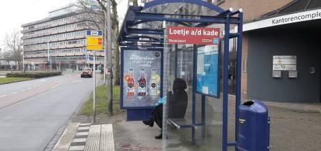 Roep om reclameverbod voor verre vliegreizen en vieze auto's, maar Zwolle voelt er niks voor