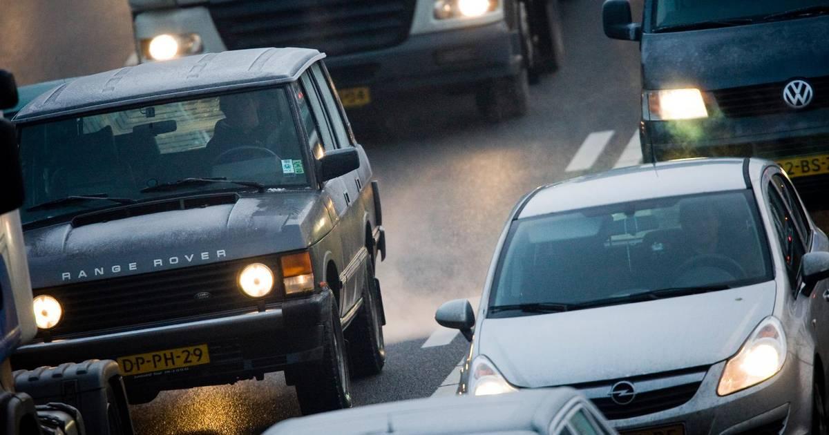 Verkeer op A1 richting Apeldoorn vast door ongeval.
