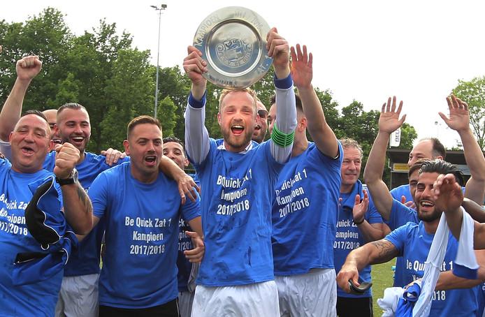 Be Quick in betere tijden. Afgelopen jaar werd het eerste team van de zaterdagklasse nog kampioen in de derde klasse. Nu dreigt een einde van de ooit zo roemruchtige voetbalvereniging uit Zutphen.