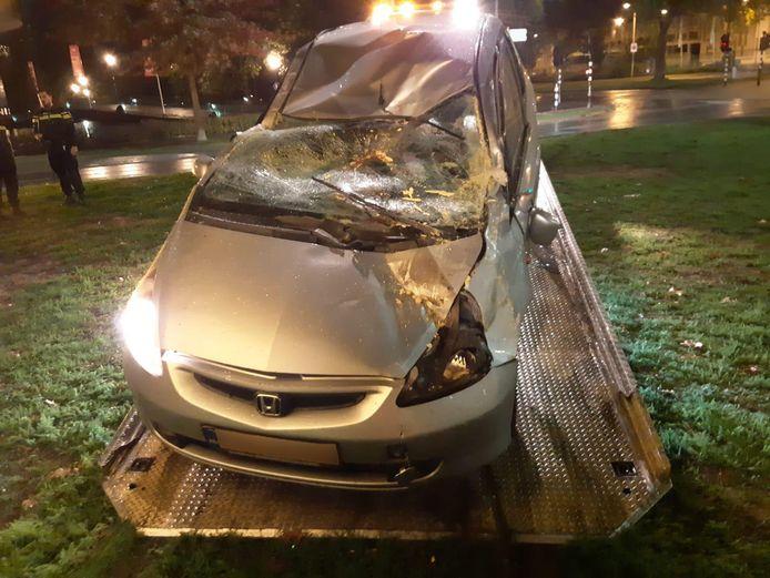 Automobilist botst tegen Flying Pins in Eindhoven.