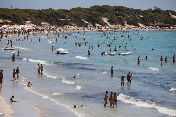 Volle stranden op het Spaanse eiland Ibiza.