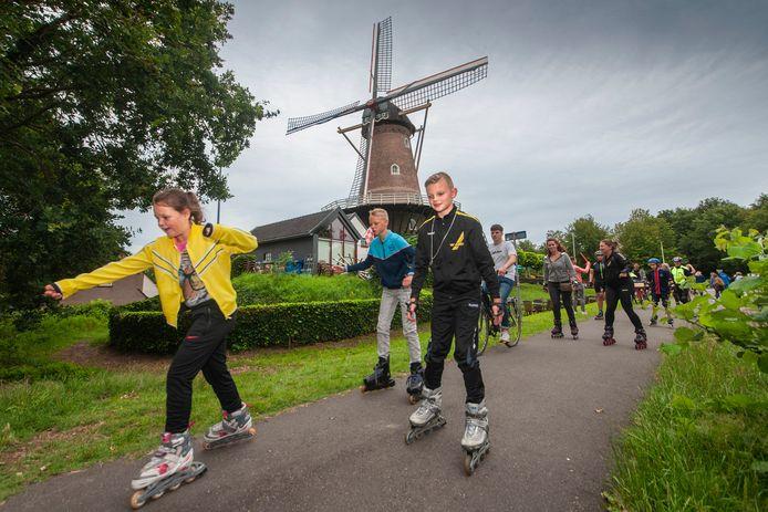 De nieuwe skeelerroute in Nieuwkuijk begint en eindigt bij de Emmamolen aan de Sint Jorisstraat.