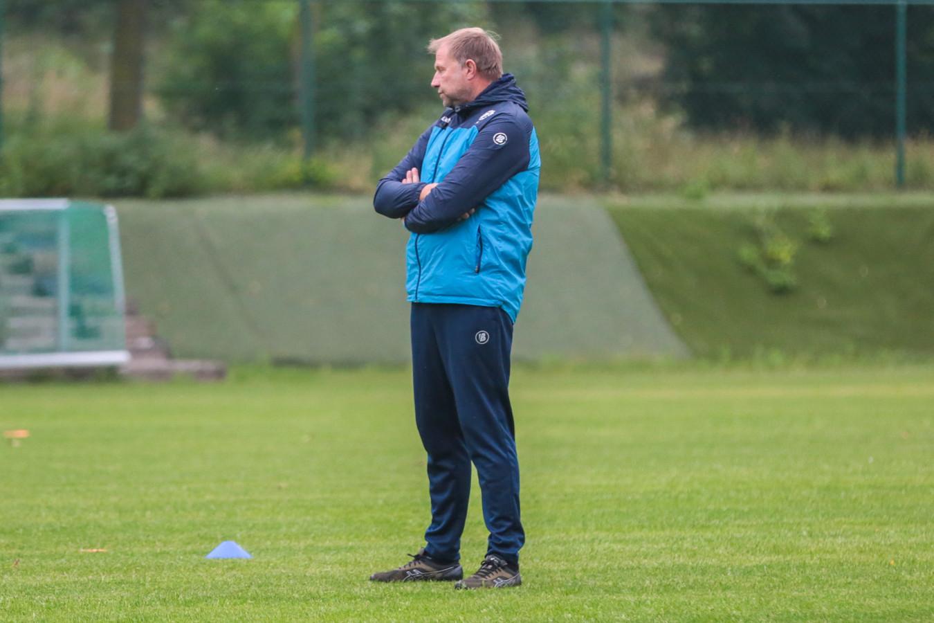 """Chris Janssens prikt doelstellingen voor komend seizoen: """"Harmonie tussen club, supporters en technische staf moet terugkeren."""""""