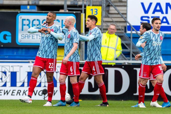 Ajax viert de enige treffer tegen RKC.