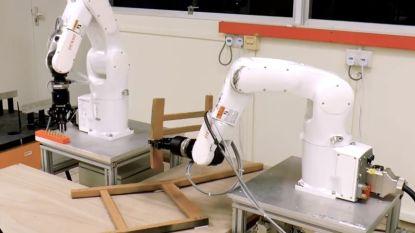 Robot zet zonder gefoeter Ikea-stoel in elkaar