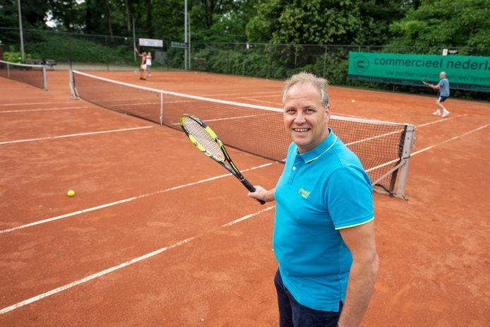Voorzitter Bert Maring van Tennisvereniging Timmersweide