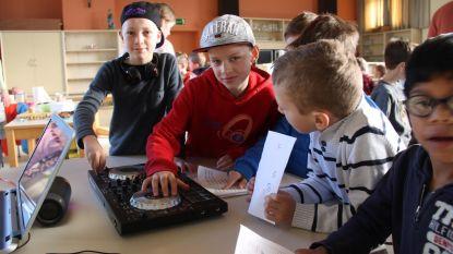Van bakker en bouwvakker tot dj: leerlingen oefenen een dag droomjob uit