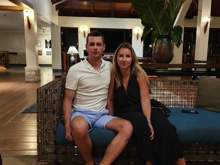 Truienaar Dieter Vanham (29) en zijn vriendin Elina Sevenants (23) zitten vast op de Filipijnen.