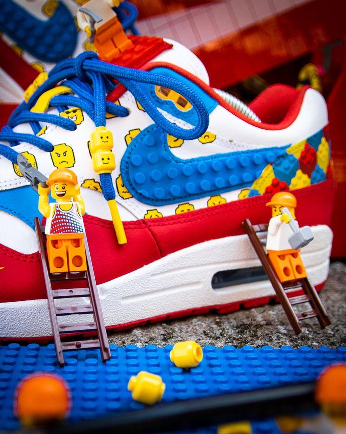 LEGO-sneakers van Tazz Customs.