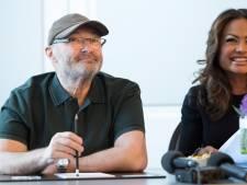 Ex-vrouw Phil Collins haalt uit: 'Hij stonk en wilde z'n tanden niet poetsen'